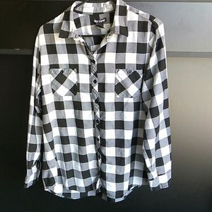 Sz.Large - Black and White Check button down top